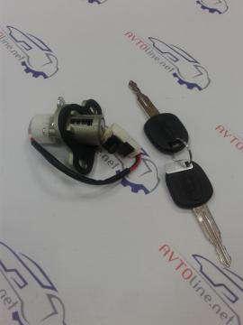 Замок крышки багажника с ключами (личинка) Лачетти