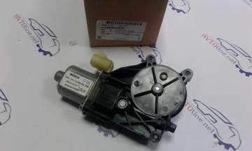 Электродвигатель стеклоподъемника задний правый Круз