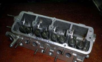 Головка со шпильками и клапанами 1,3 Сенс, Таврия, Славута